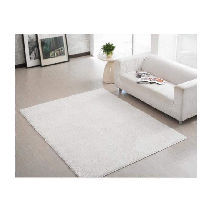 Белый прямоугольный ковер с ворсом