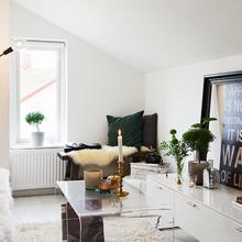 Фотография: Гостиная в стиле Скандинавский, Малогабаритная квартира, Квартира, Дома и квартиры, Мансарда – фото на InMyRoom.ru