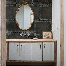 Фотография: Ванная в стиле Лофт, Декор интерьера, Декор дома, Обои, Стены – фото на InMyRoom.ru