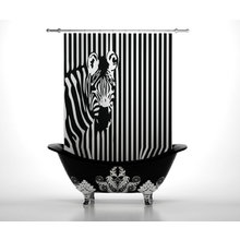 Шторы в ванну: Любопытная зебра