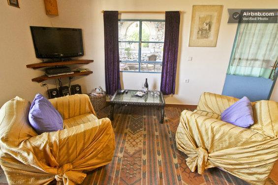 Фотография: Мебель и свет в стиле Классический, Стиль жизни, Советы, Париж, Airbnb – фото на InMyRoom.ru
