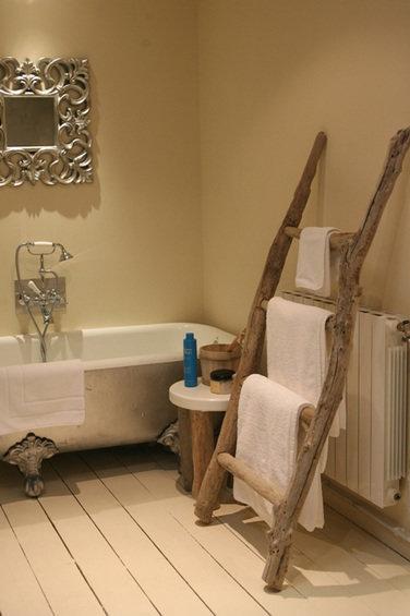Фотография: Ванная в стиле Прованс и Кантри, Декор интерьера, Дом, Мебель и свет, Эко – фото на InMyRoom.ru