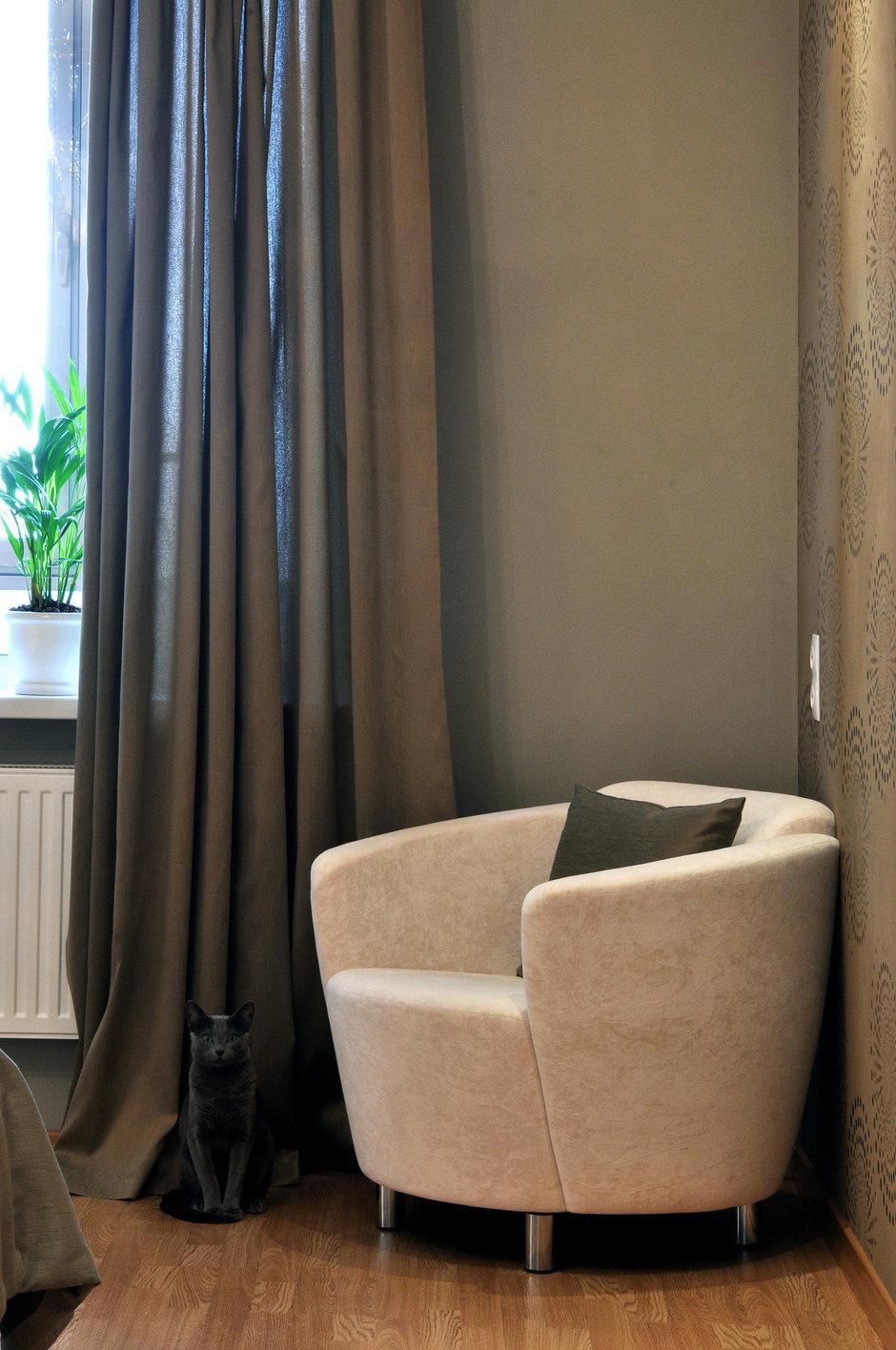 Фотография: Мебель и свет в стиле Современный, Малогабаритная квартира, Квартира, Цвет в интерьере, Дома и квартиры, Белый, Переделка – фото на InMyRoom.ru