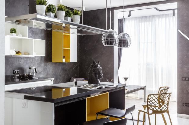 """Фото из портфолио Фото кухни реализованного проекта квартиры, расположенной в ЖК """"Адмирал"""".  – фотографии дизайна интерьеров на INMYROOM"""