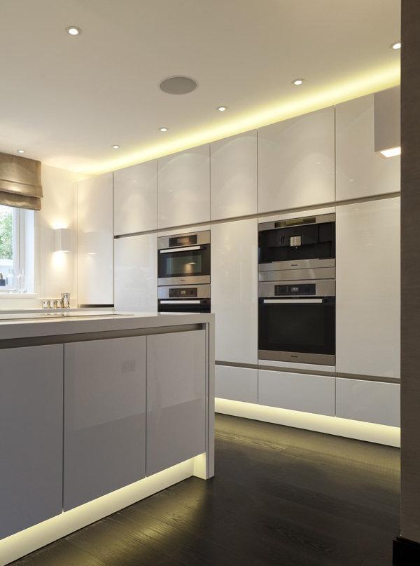 Фотография: Кухня и столовая в стиле Минимализм, Декор интерьера, Декор, Мебель и свет, освещение – фото на InMyRoom.ru