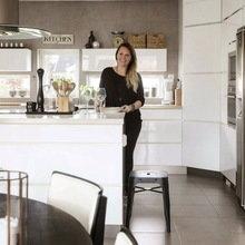 Фотография: Кухня и столовая в стиле Скандинавский, Гостиная, Декор интерьера, Интерьер комнат, Цвет в интерьере, Проект недели, Стены – фото на InMyRoom.ru