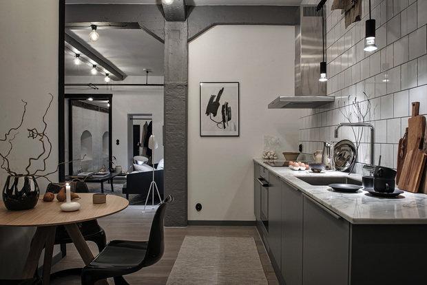 Фотография: Кухня и столовая в стиле Лофт, Декор интерьера, Швеция, Белый, Черный, Стокгольм, 2 комнаты, 40-60 метров – фото на InMyRoom.ru