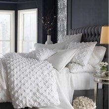 Фотография: Спальня в стиле Классический, Декор интерьера, Дизайн интерьера, Цвет в интерьере, Серый – фото на InMyRoom.ru