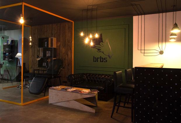 Фото из портфолио Барбершоп BRBS – фотографии дизайна интерьеров на INMYROOM