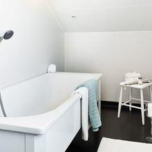 Фото из портфолио Белоснежный и компактный чердак – фотографии дизайна интерьеров на INMYROOM