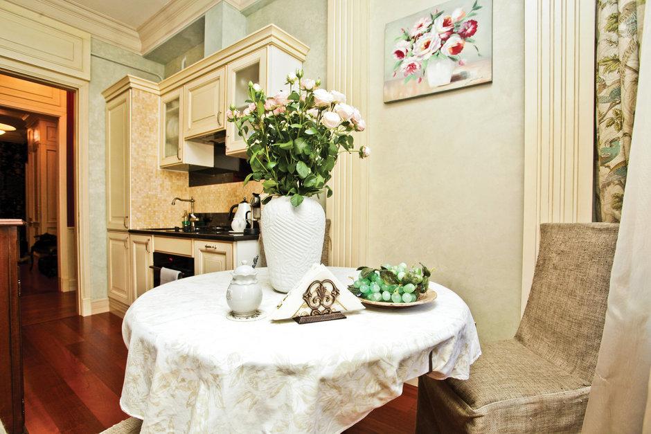 Фотография: Кухня и столовая в стиле Прованс и Кантри, Скандинавский, Классический, Квартира, Дома и квартиры, Проект недели – фото на InMyRoom.ru