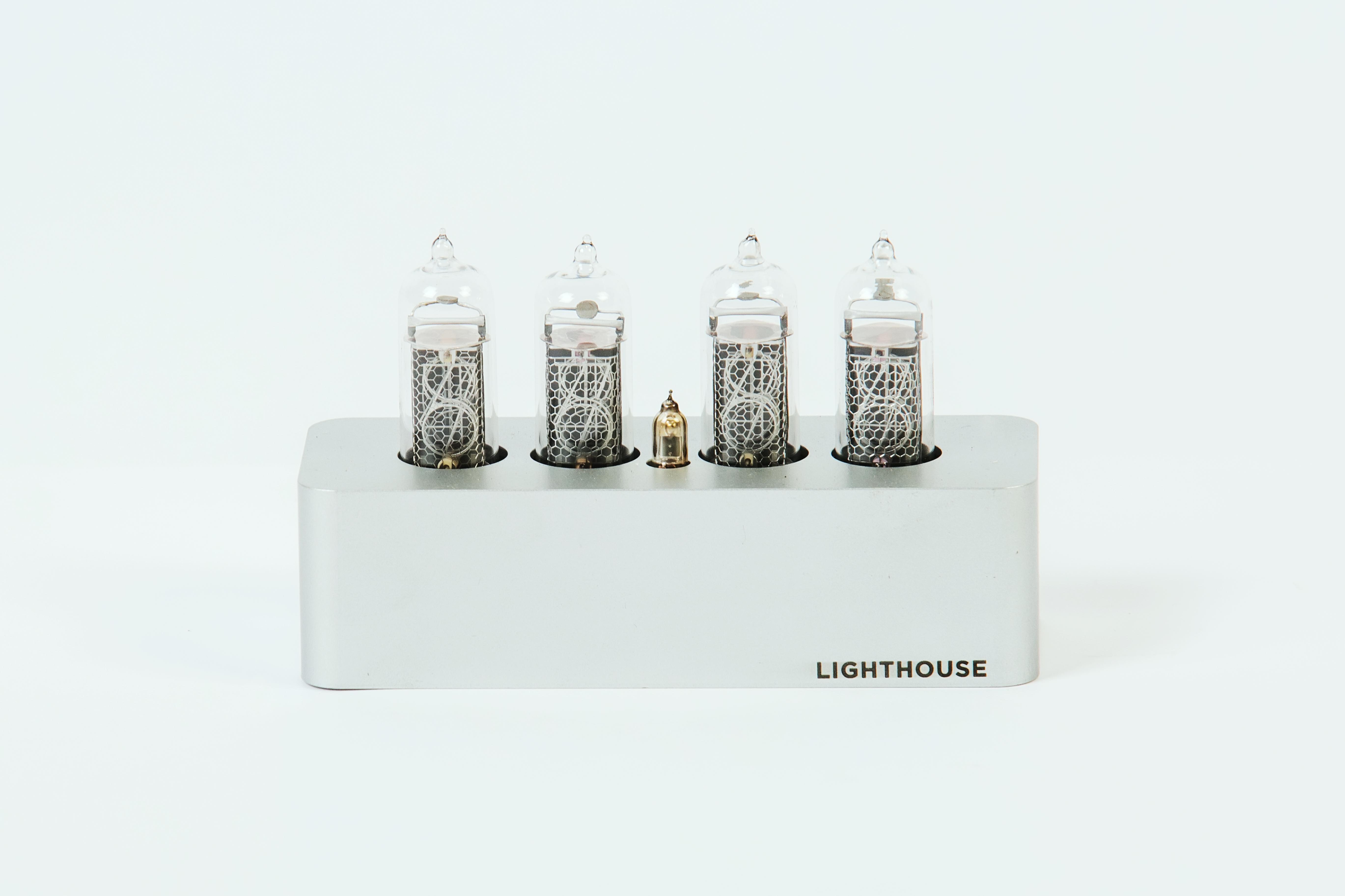 Часы на газоразрядных индикаторах in-14 Lighthouse Silver