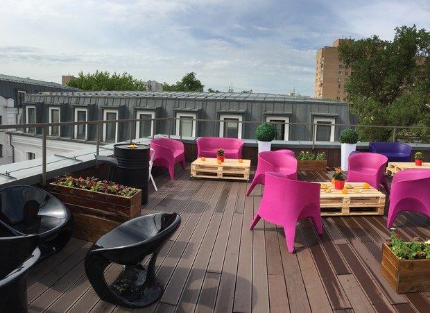 Фото из портфолио Оформление веранды флагманского шоу-рума дизайнерской мебели COSMORELAX – фотографии дизайна интерьеров на INMYROOM