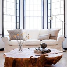 Фотография: Гостиная в стиле Лофт, Декор интерьера, Дизайн интерьера, Цвет в интерьере, Белый, Серый – фото на InMyRoom.ru