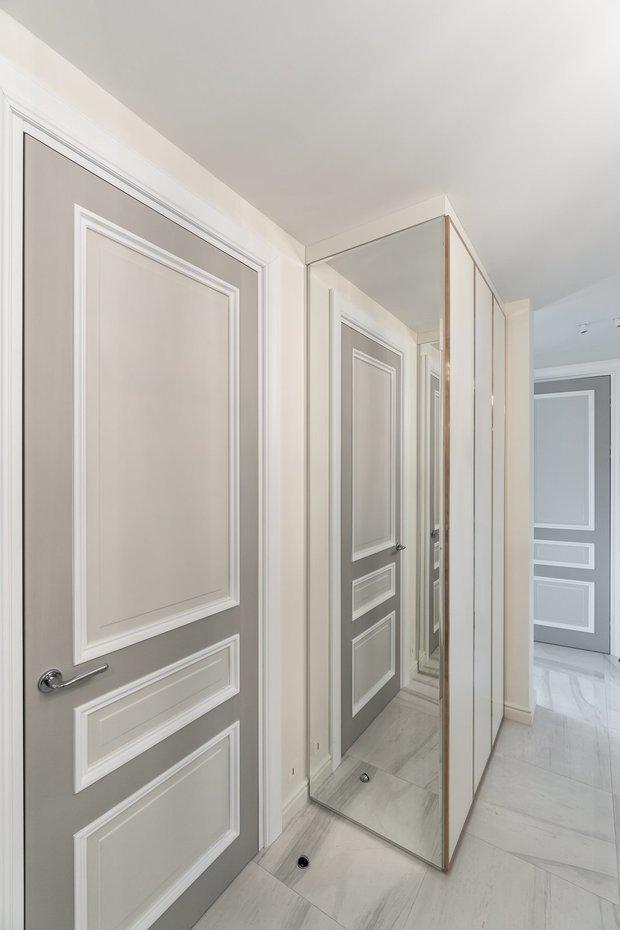 Фотография: Прихожая в стиле Современный, Классический, Квартира, Белый, Проект недели, Москва, Бежевый, 3 комнаты, Более 90 метров, Кристина Изотова – фото на INMYROOM