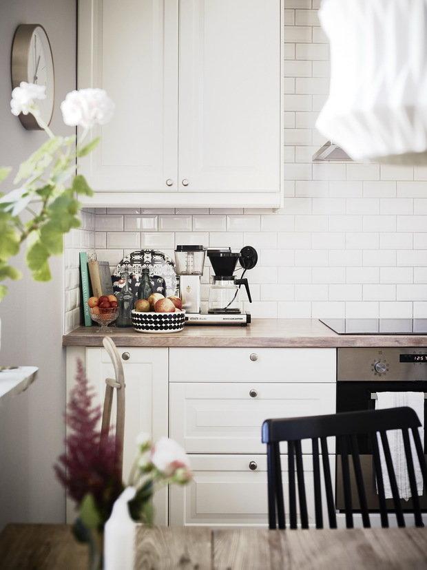 Фотография:  в стиле , Кухня и столовая, Советы, Илья Насонов, как оформить интерьер кухни, столешница гарнитура, как выбрать кухонный гарнитур – фото на InMyRoom.ru
