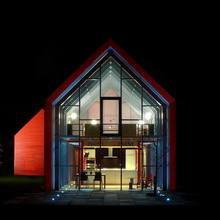 Фотография: Архитектура в стиле Современный, Дом, Дома и квартиры, Архитектурные объекты, Панорамные окна – фото на InMyRoom.ru