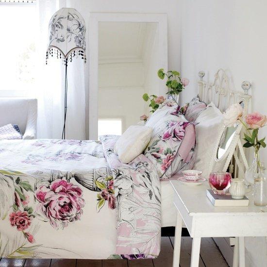 Фотография: Спальня в стиле Прованс и Кантри, Современный, Текстиль, Стиль жизни, Советы, Цветы – фото на InMyRoom.ru