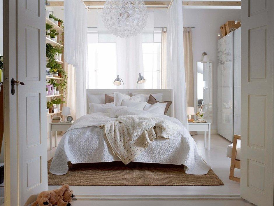 Фотография: Спальня в стиле Современный, Декор интерьера, Дизайн интерьера, Цвет в интерьере, Белый, Dulux, Краска – фото на InMyRoom.ru