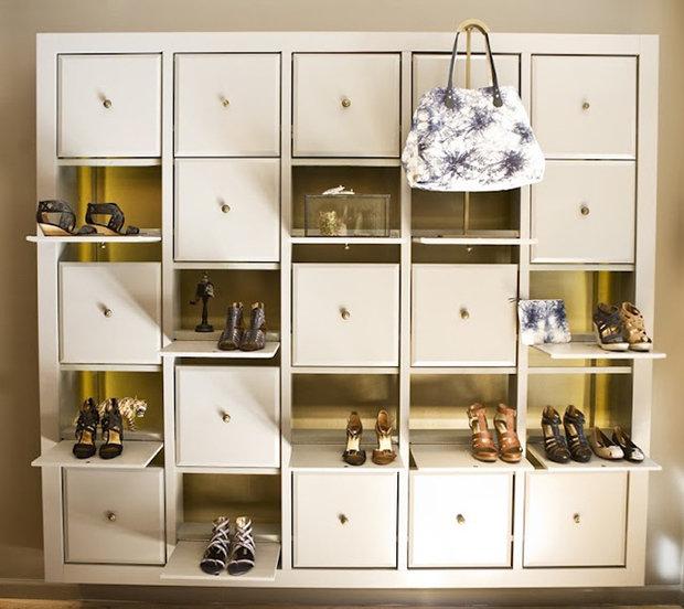 Фотография: Мебель и свет в стиле Современный, Прихожая, Интерьер комнат, Системы хранения – фото на InMyRoom.ru