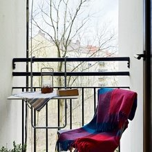 Фотография: Балкон в стиле Скандинавский, Минимализм, Квартира, Декор, Советы, как обустроить маленький балкон, идеи для маленького балкона, декор балкона – фото на InMyRoom.ru