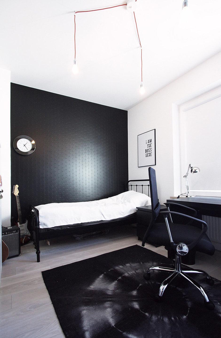 Фотография: Спальня в стиле Лофт, Скандинавский, Квартира, Цвет в интерьере, Дома и квартиры, Перепланировка – фото на InMyRoom.ru