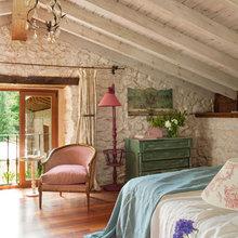 Фотография: Спальня в стиле Кантри, Дом, Дома и квартиры, Переделка, Балки – фото на InMyRoom.ru