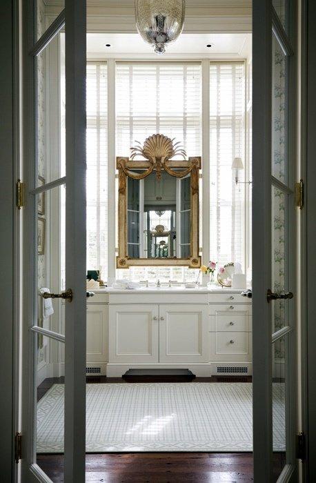 Фотография:  в стиле Классический, Декор интерьера, Мебель и свет – фото на InMyRoom.ru
