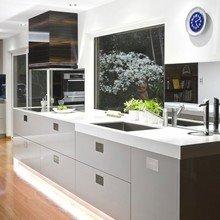 Фотография: Кухня и столовая в стиле Современный, Интерьер комнат, Минимализм – фото на InMyRoom.ru