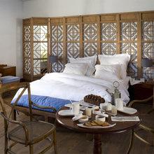 Фотография: Спальня в стиле Восточный, Дома и квартиры, Городские места, Отель, Бассейн – фото на InMyRoom.ru