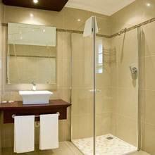 Фотография: Ванная в стиле Восточный, Малогабаритная квартира, Интерьер комнат, Советы – фото на InMyRoom.ru