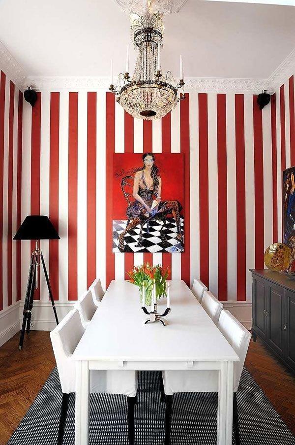 Фотография: Кухня и столовая в стиле Эклектика, Индустрия, Новости, Обои, Геометрия в интерьере – фото на InMyRoom.ru