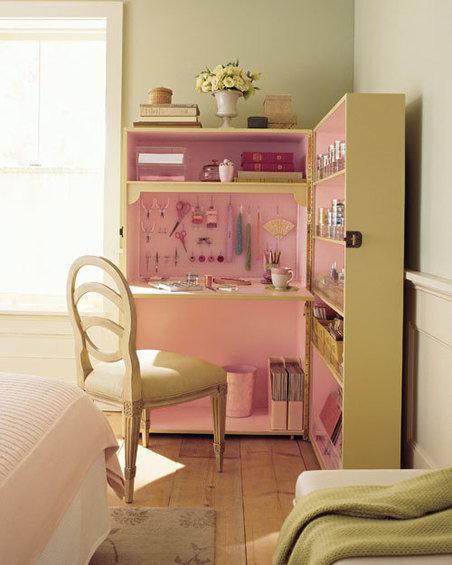 Фотография: Спальня в стиле Прованс и Кантри, Дом, Дома и квартиры, Стол – фото на InMyRoom.ru