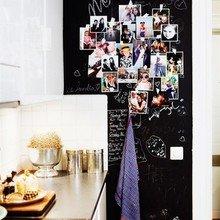 Фотография: Кухня и столовая в стиле Скандинавский, Декор интерьера, Квартира, Швеция, Дизайн интерьера, Цвет в интерьере, Белый, Черный, Желтый – фото на InMyRoom.ru