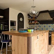 Фотография: Кухня и столовая в стиле Кантри, Квартира, Дома и квартиры, Париж – фото на InMyRoom.ru