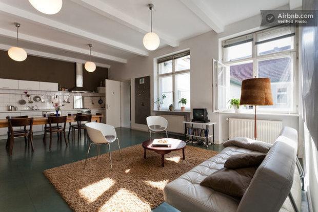 Фотография: Спальня в стиле Лофт, Эклектика, Декор интерьера, Квартира, Дома и квартиры, Airbnb – фото на InMyRoom.ru