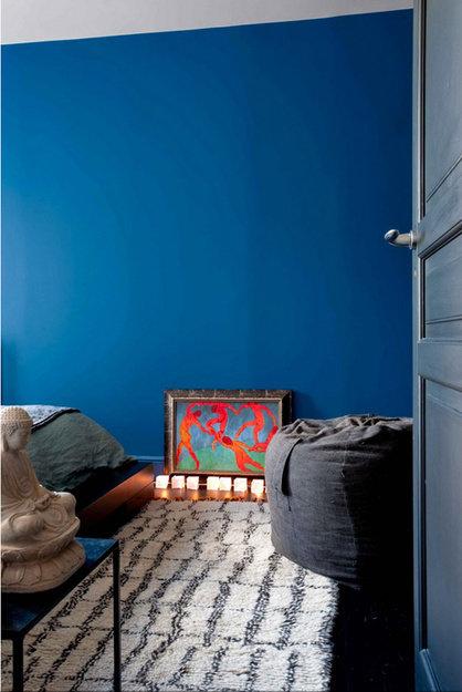 Фотография: Спальня в стиле Минимализм, Эклектика, Индустрия, Люди – фото на InMyRoom.ru