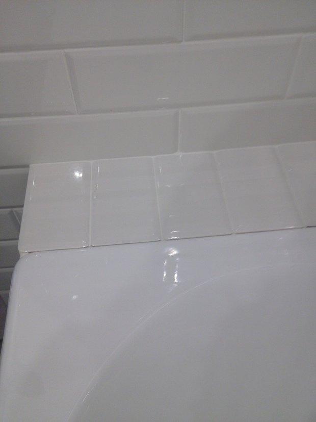 Помогите пожалуйста избавиться от недоразумения в ванной комнате))
