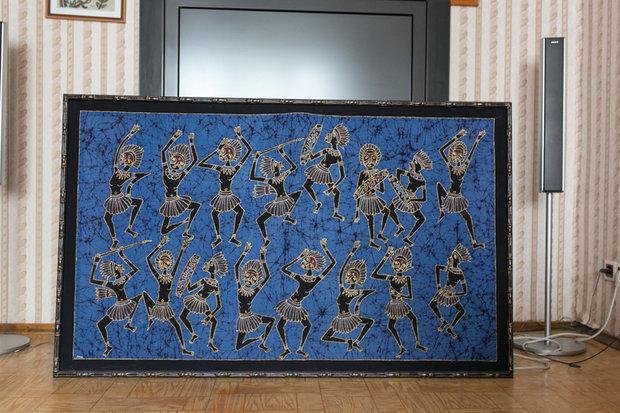 Картина батик в деревянном багете
