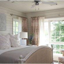 Фотография: Спальня в стиле Кантри, Дизайн интерьера, Большие окна – фото на InMyRoom.ru