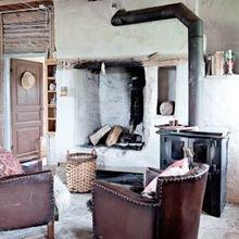 Фотография: Гостиная в стиле Кантри, Декор интерьера, Дом, Декор дома, Камин – фото на InMyRoom.ru