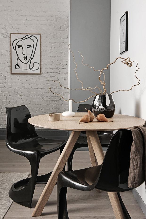 Фотография: Кухня и столовая в стиле Современный, Лофт, Декор интерьера, Швеция, Белый, Черный, Стокгольм, 2 комнаты, 40-60 метров – фото на InMyRoom.ru