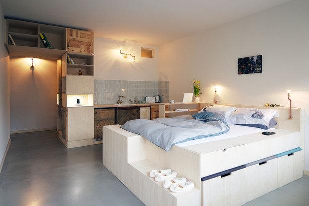 Фотография: Прочее в стиле , Спальня, Квартира, Интерьер комнат, Цвет в интерьере, Советы, Белый, Зеркала – фото на InMyRoom.ru
