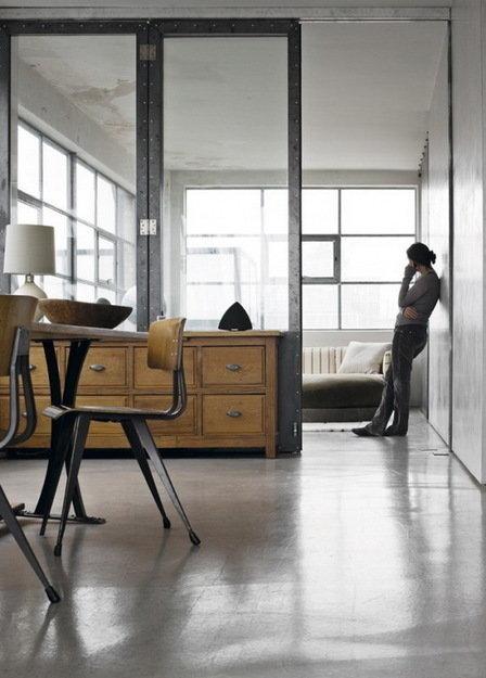 Фотография: Балкон в стиле Прованс и Кантри, Лофт, Дом, Цвет в интерьере, Дома и квартиры, Лондон, Серый, Индустриальный – фото на InMyRoom.ru