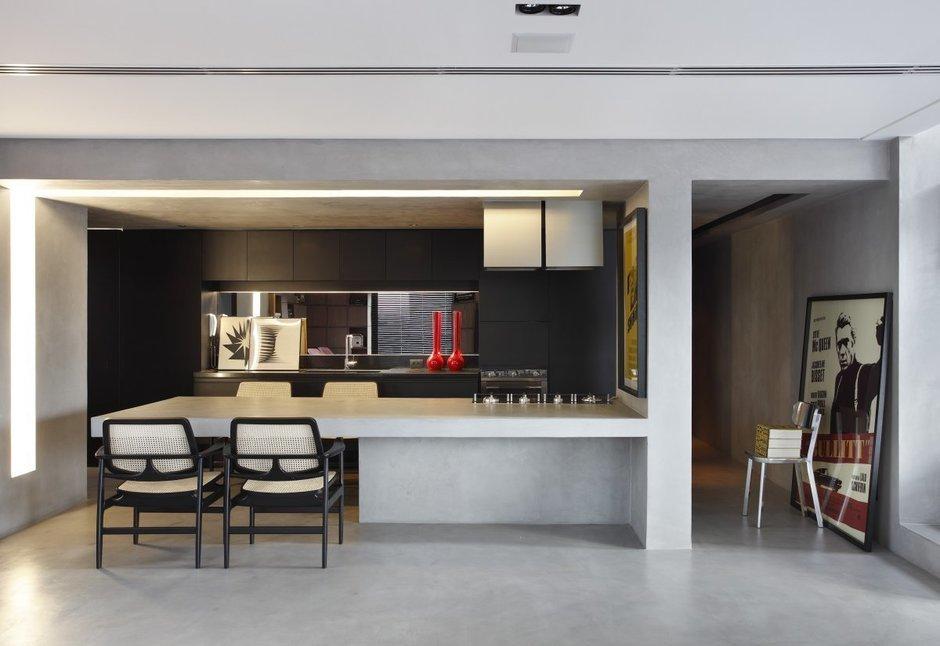 Фотография: Кухня и столовая в стиле Современный, Дом, Цвет в интерьере, Дома и квартиры, Серый, Бразилия, Пол, Сан-Паулу – фото на InMyRoom.ru