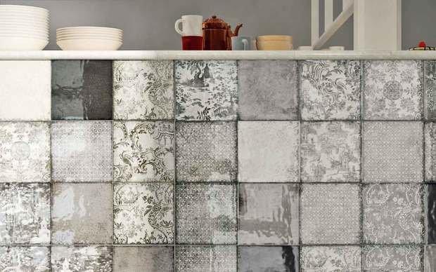 Фотография:  в стиле , Аксессуары, Декор, Советы, Инесса Терновая, как испльзовать майолику в интерьере, отделка мебели плиткой, наличники из плитки, отделка лестницы плиткой, майолика на кухне – фото на InMyRoom.ru