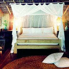 Фотография: Спальня в стиле Кантри, Дома и квартиры, Городские места, Отель, Бассейн, Эко, Балдахин – фото на InMyRoom.ru