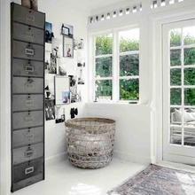 Фотография: Прихожая в стиле Скандинавский, Декор интерьера, Мебель и свет, Шкаф – фото на InMyRoom.ru