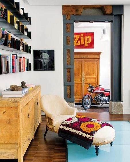 Фотография: Гостиная в стиле Эко, Эклектика, Декор интерьера, Дом, Антиквариат, Дома и квартиры, Стена, Мадрид – фото на InMyRoom.ru