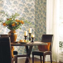 Фотография: Кухня и столовая в стиле Кантри, Декор интерьера, Дизайн интерьера, Цвет в интерьере, Обои – фото на InMyRoom.ru